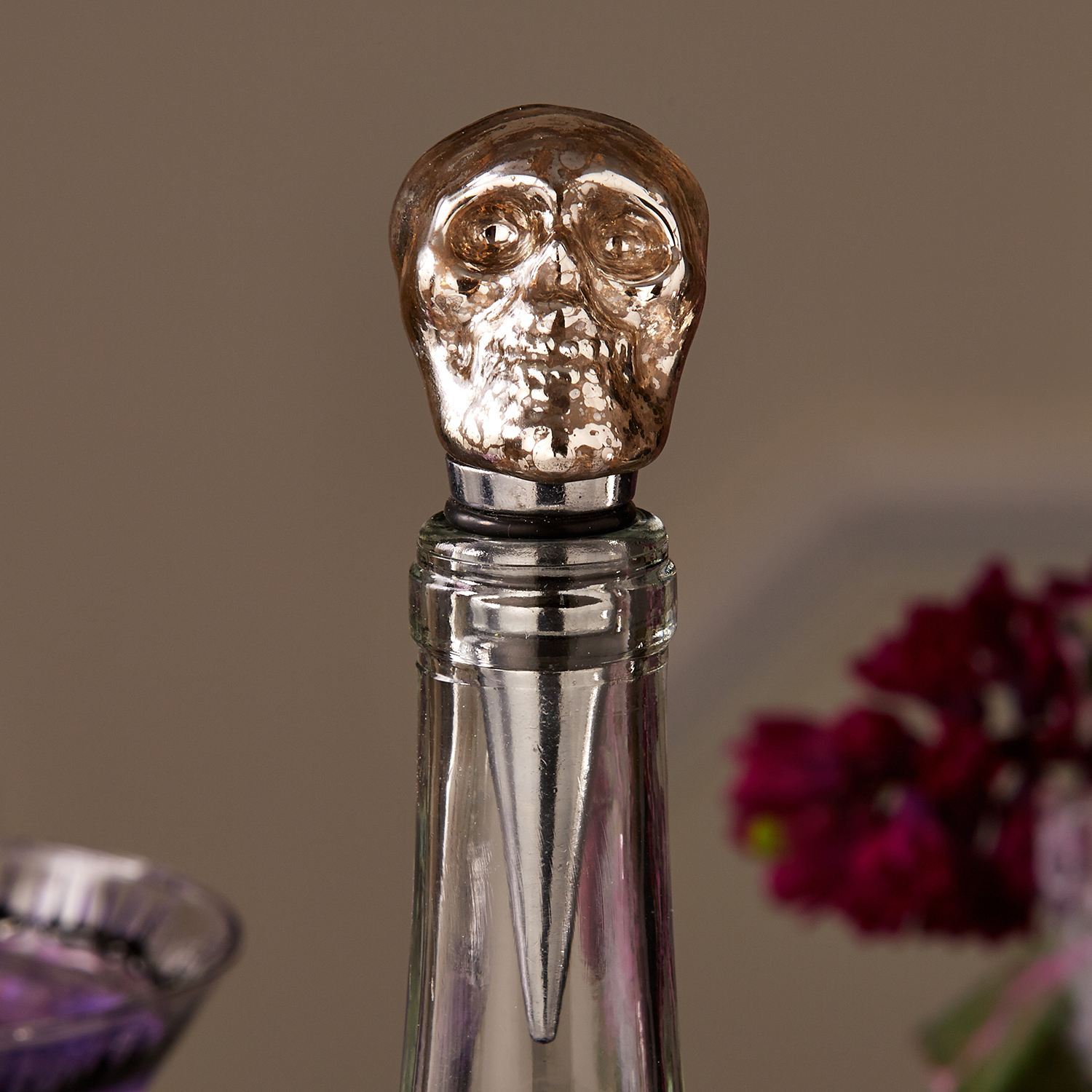 Spirited Skull bottle stopper